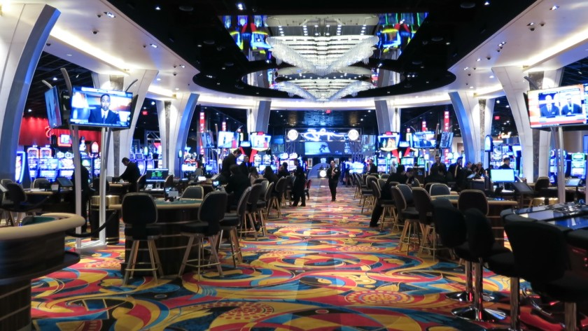 Some Suggestions To Pick A Best Internet Poker Site