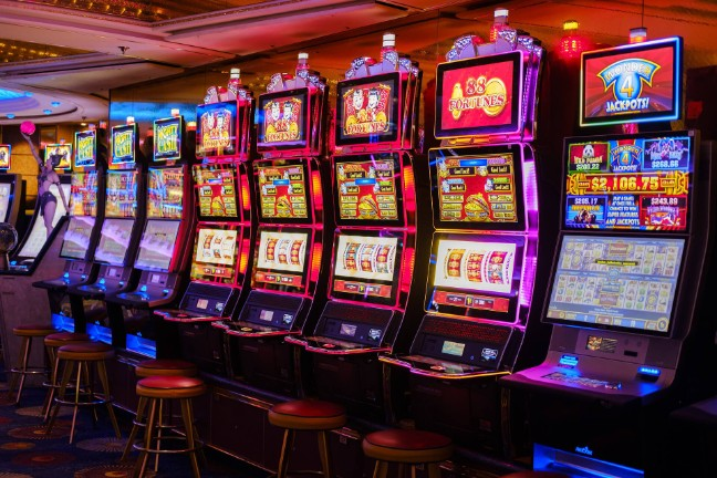 These Hacks Will Make You(r) Casino (Look) Like A professional